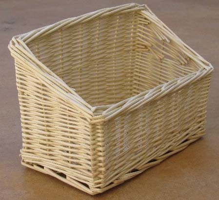 Busy Bunny – New Willow Hay Rack