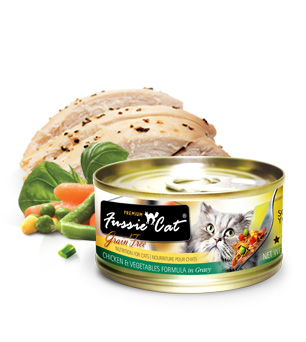 Fussie Cat Premium Chicken With Vegetables in Gravy
